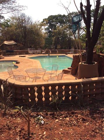 Solwezi的民宿