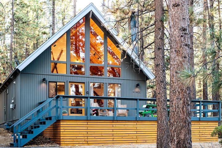 Summit Lodge. Close to Skiing+Village+Lake+Hot Tub