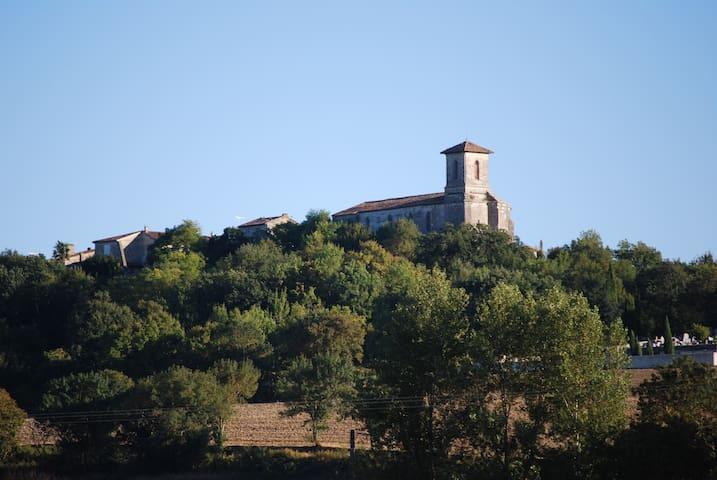 Castéra-Lectourois的民宿