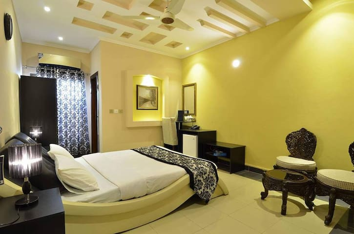 Bahawalpur的民宿