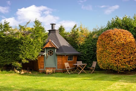 The Den - Scandinavian BBQ Cabin - Lake District
