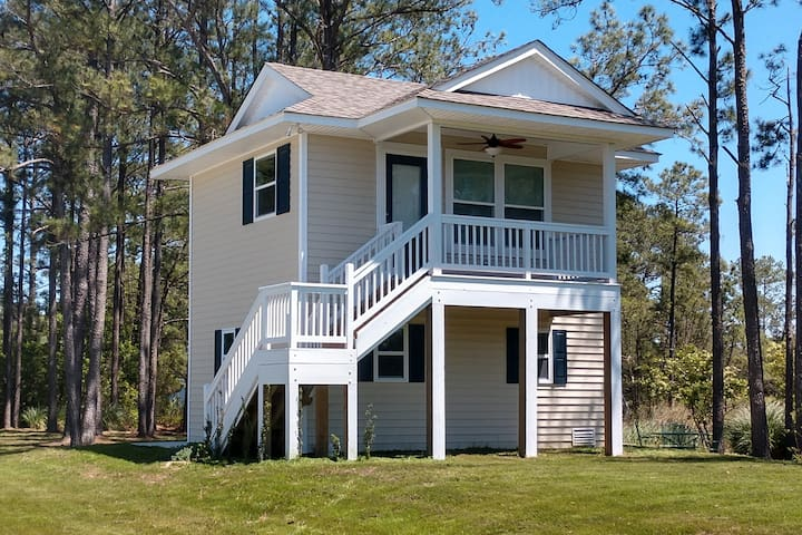Croatan Sound Cottage, Peaceful with Great Views!