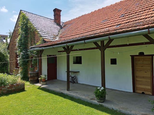 Hodslavice的民宿