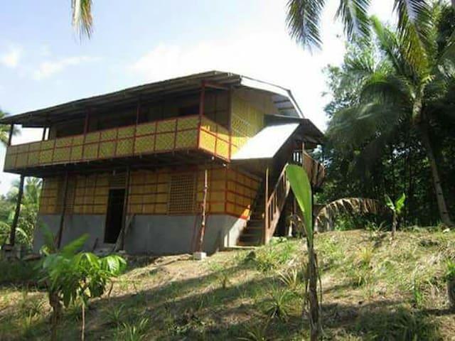 Malitbog的民宿