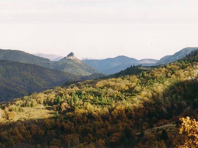 Bez-et-Esparon的民宿
