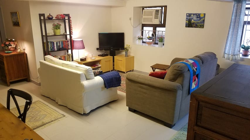A charming traditional  flat in Old Sai Kung