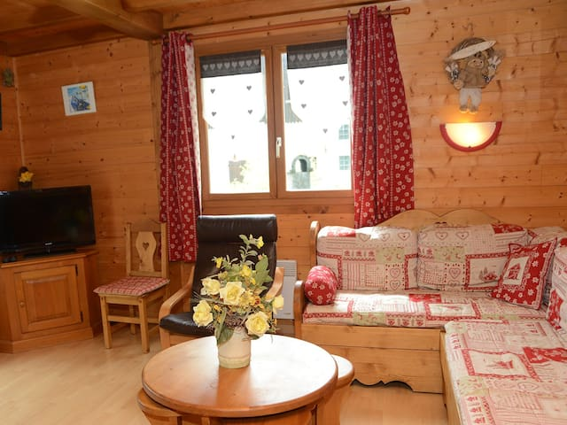 Chalet-Comfort-Private Bathroom-Pool View-Le Lynx