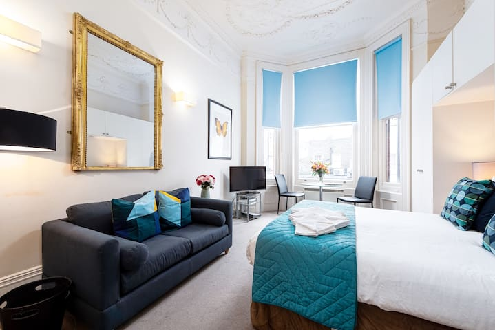 Luxury Apartment in Sloane Square, Chelsea - DP4