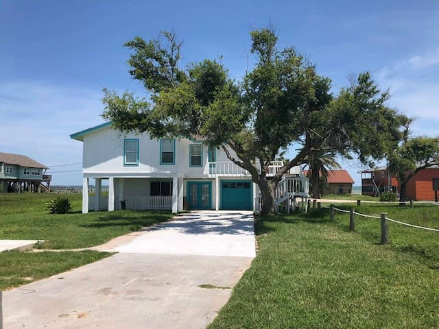 El Nanos Beach House