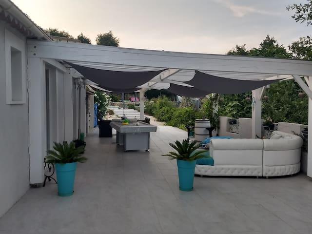 villa 3 chambres avec jardin, piscine, terrasse