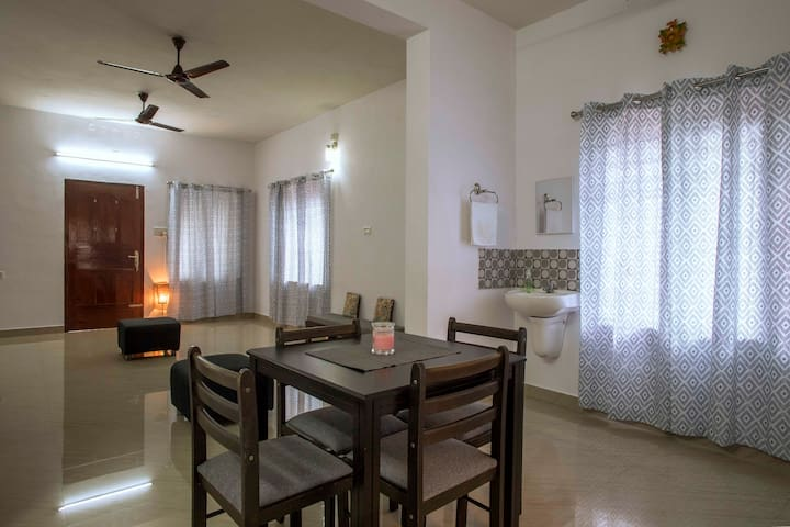 Budget service apartments in Vytilla . Cochin