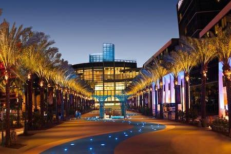 Modern Anaheim Living Near Convention Center!