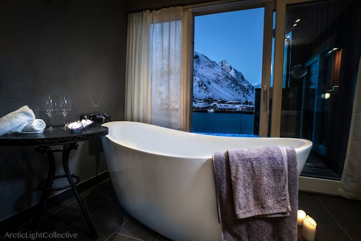 Lofoten Panorama, Ballstad, with a touch of luxury