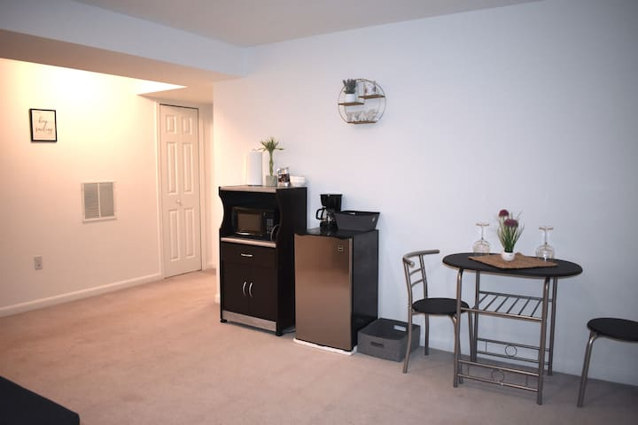 "Spacious basement w/ private iMac & 55"" QLED TV"