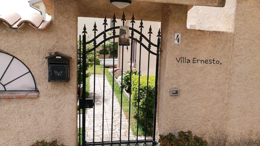 Villaggio Le Roccelle的民宿