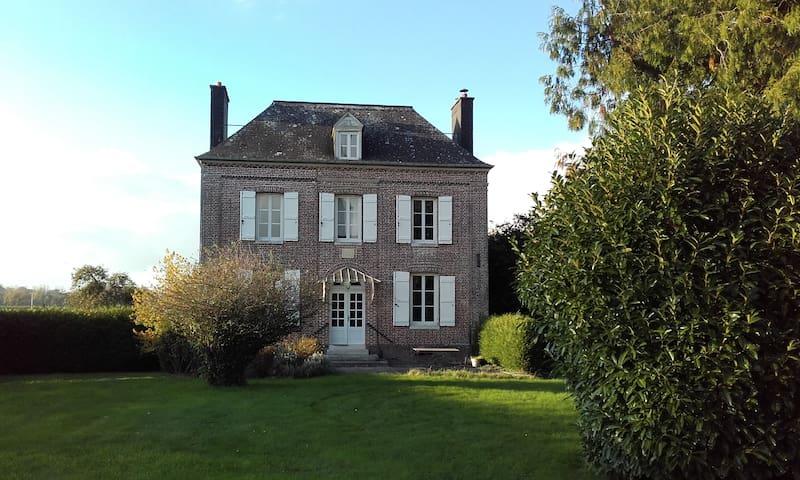 Ancretiéville-Saint-Victor的民宿
