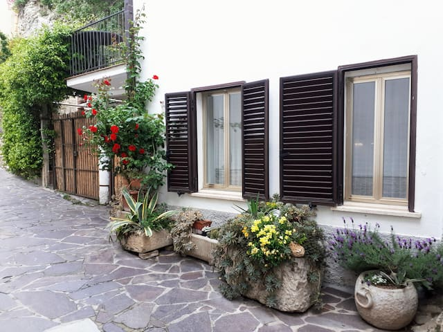 Roccascalegna的民宿