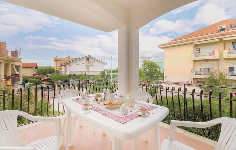 Holiday apartment with 3 bedrooms on 75m² in Villa Rosa TE