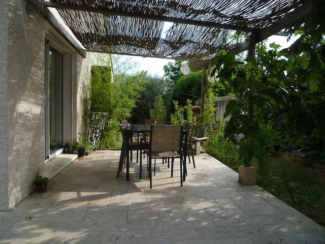 maison avec jardin, au cœur de l'Hérault