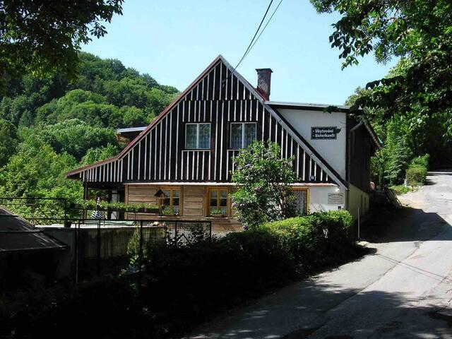 Vrchlabí的民宿