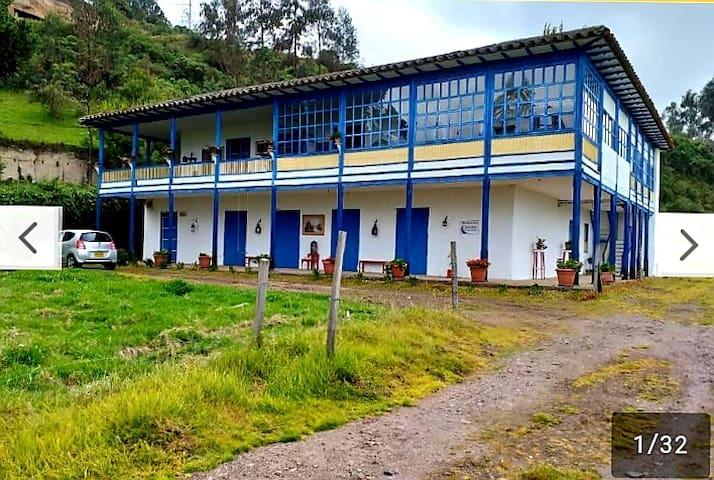 Caserio Saguaran的民宿