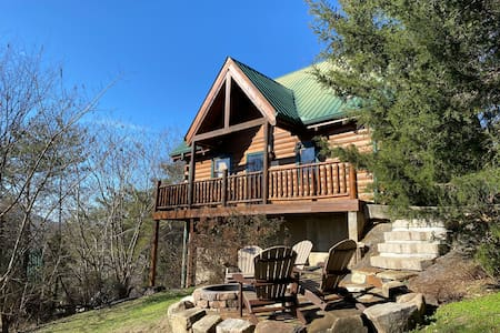 Honey Bear Pines - Mountain Views and Fire Pit!