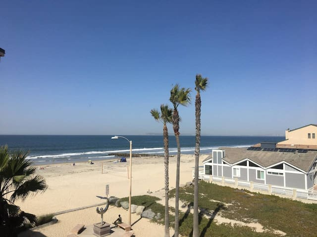 Seacoast IB San Diego Oceanfront Condo