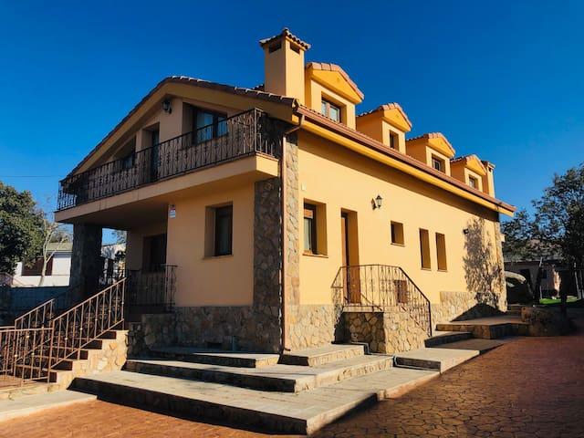 Villa Encinas PISCINA CLIMATIZADA