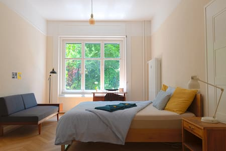 Bern Breitsch, Center, River,... Home