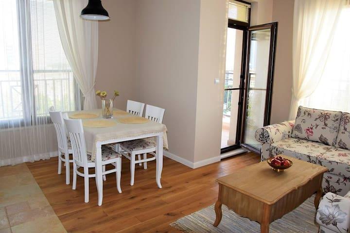 The Bella Casa