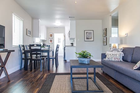 Cozy Long Beach Home- Newly Remodeled & Furnished
