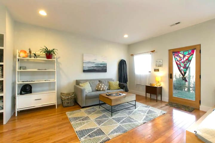 West AVL & River Arts Oasis - Private & Walkable