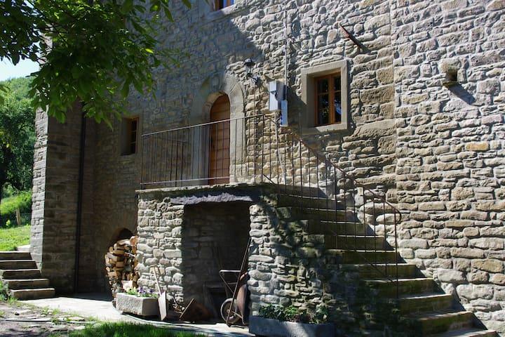 Castel del Rio的民宿