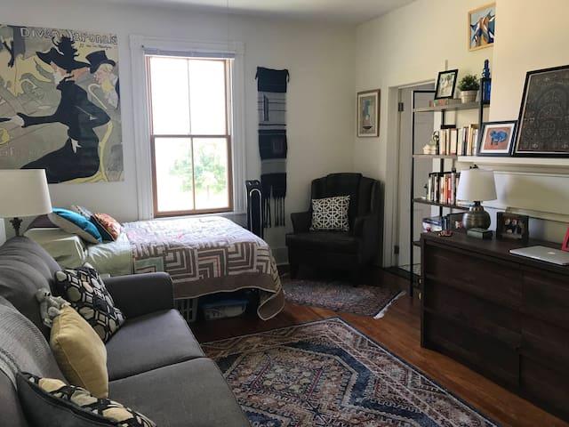Studio Apartment Sublet - Charming; Natural Light!
