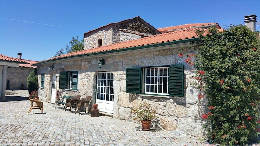 Charming granite cottage in beautiful surroundings