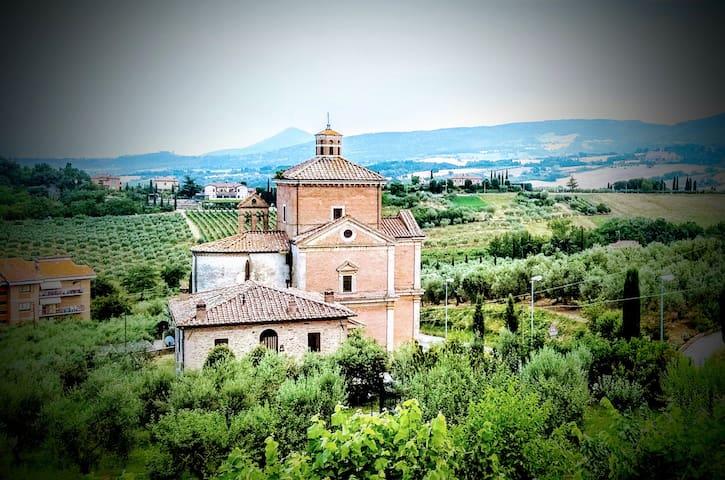 基安奇安诺泰尔梅  (Chianciano Terme)的民宿