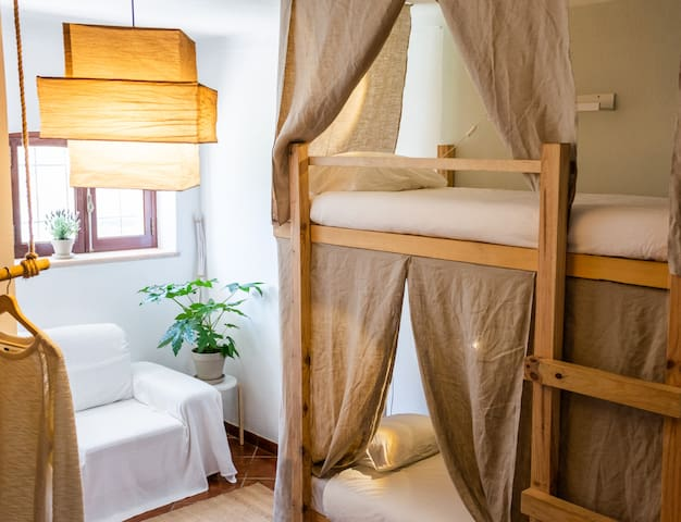 Bunkbed room | Bed 3 | Coyote surfclub Ericeira
