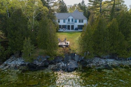 5* Lake Home, Architect designed, 4 Bed, 3.5 Bth