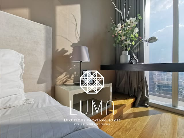KLCC 900sf 1BR Lux Home   Bathtub   Sky Bar