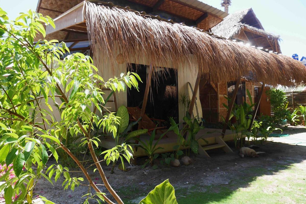 Bungalow in General Luna - Marajaw Jungle (DOT✔️)