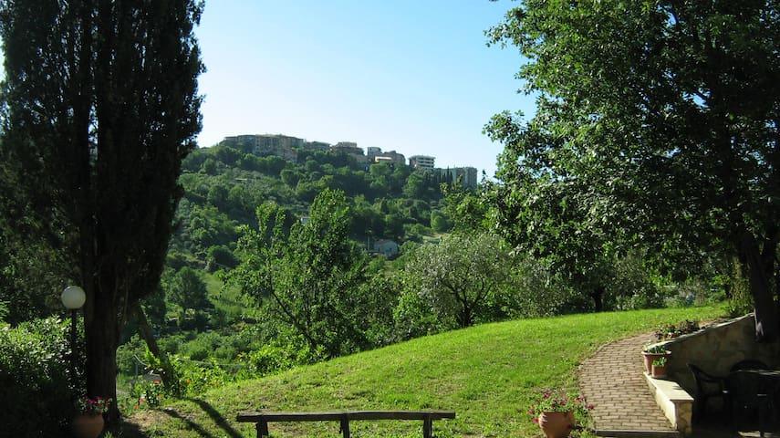 Castel Madama的民宿