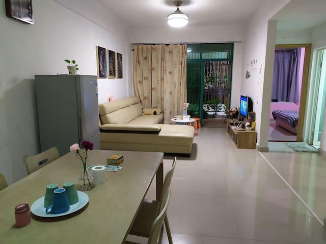 丹竹头地铁100米,永旺商场旁精装两房两厅三张床,月租特惠