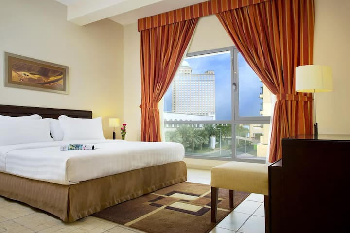 BEHIND EMIRATES MALL, 1 BEDROOM FULLY SERVICED