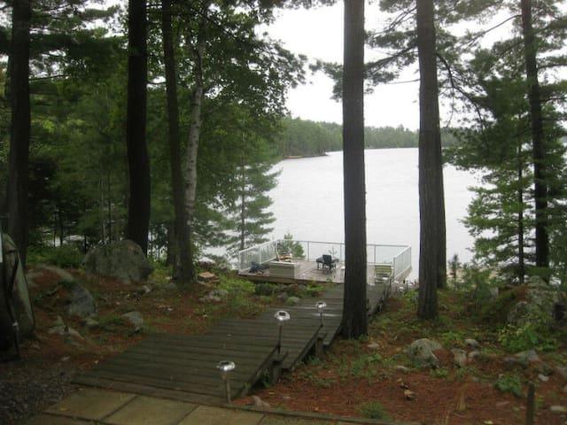 Lac Kipawa Cottage / chalet — Spectacular Fishing