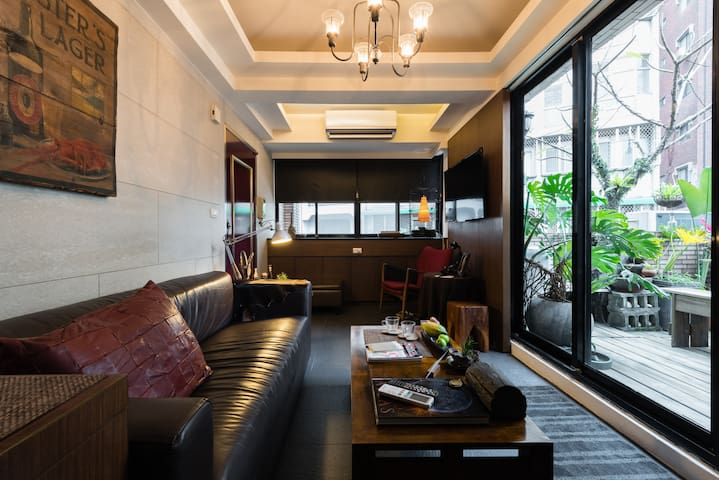 Writer's Terrace Xinyi  作家的信義天台