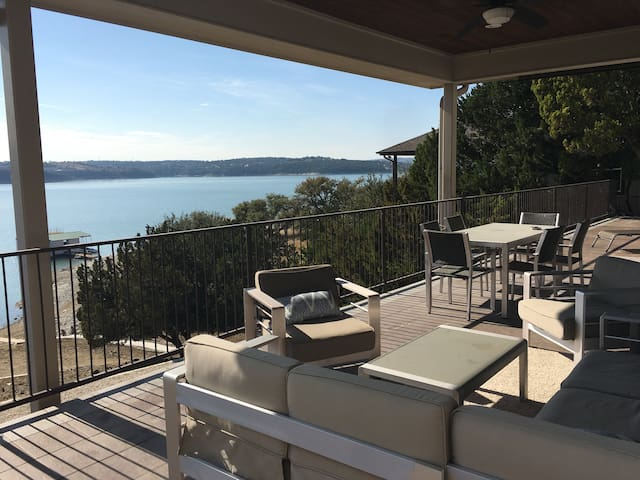 Luxurious Lake House on Lake Travis!