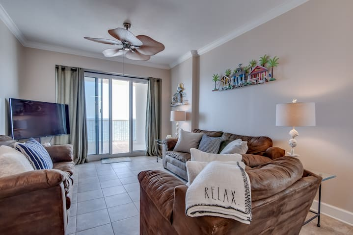 Beachfront Penthouse! Don't Miss Vacation at the Beach! 3/3 West Corner Unit - Island Royale P506
