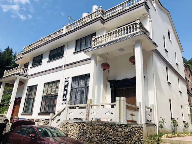 神仙居景区附近5室2厅联排别墅全家出游可做饭聚会包场