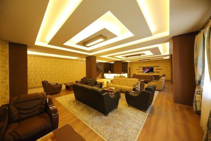Taht Palace Hotel