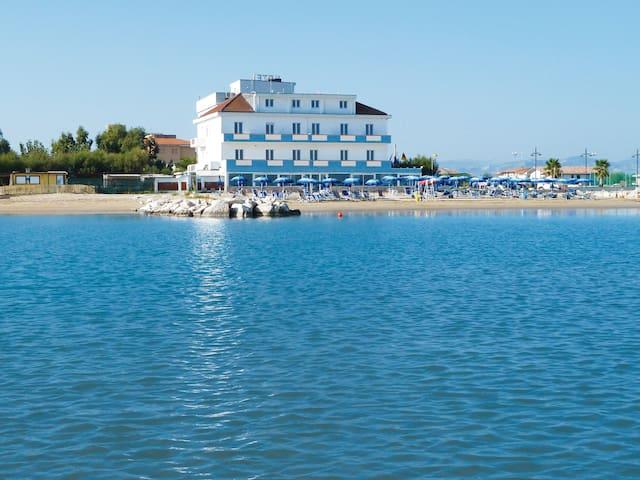 Marina di Montenero的民宿